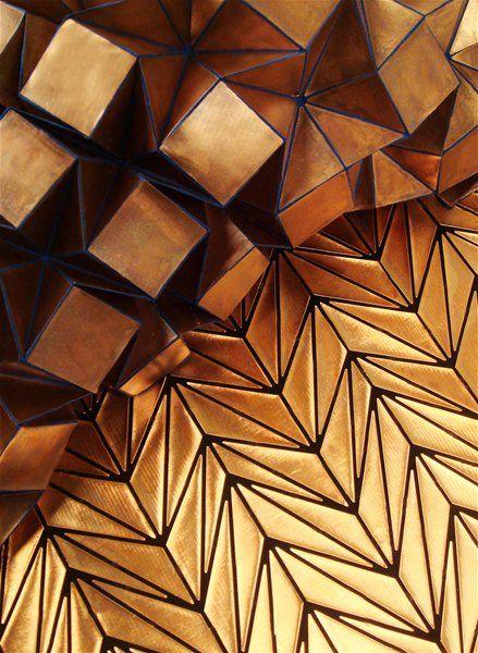 sublime création dans les tons dorés de l'artiste Tine de Ruysser