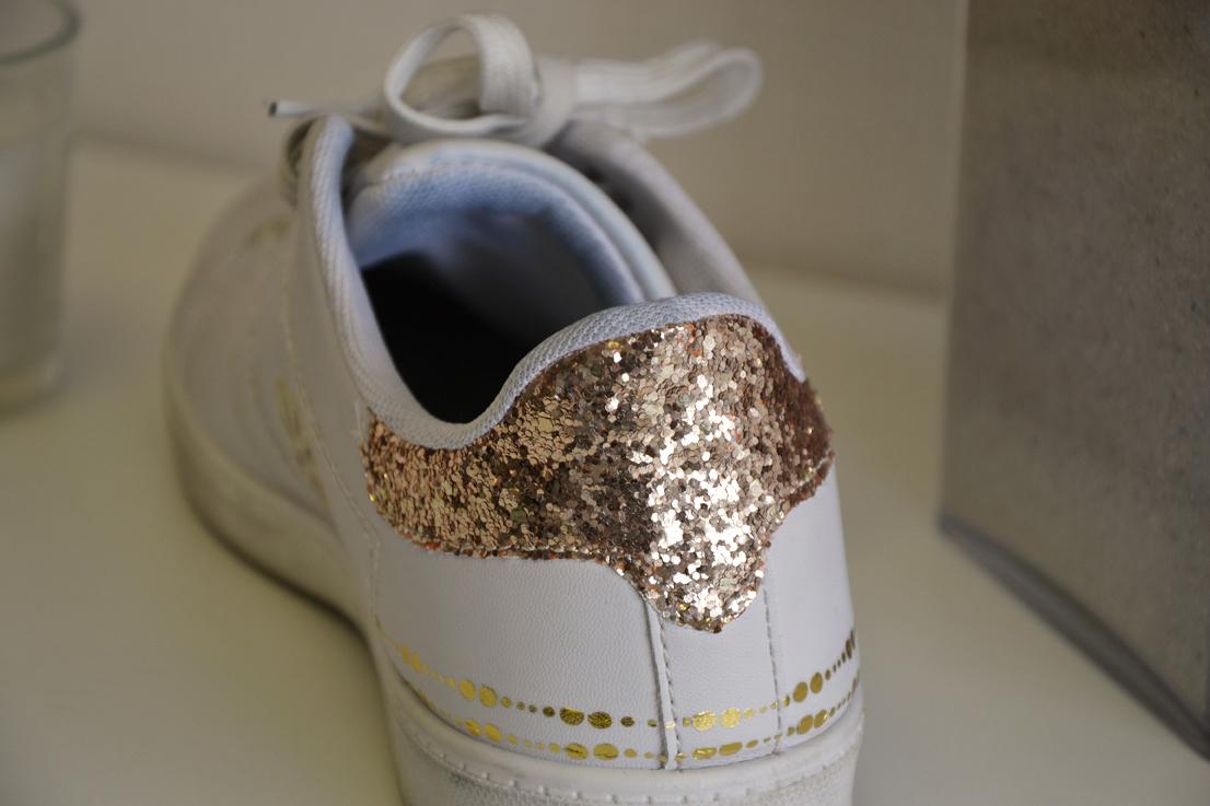 découvrez comment personnaliser facilement vos sneakers préférées