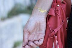petit bracelet tattoo doré