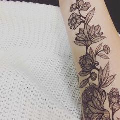tatouage éphémère floral noir